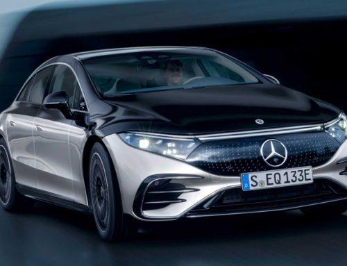Mercedes lança o EQS com a promessa de ser o carro mais moderno da marca.