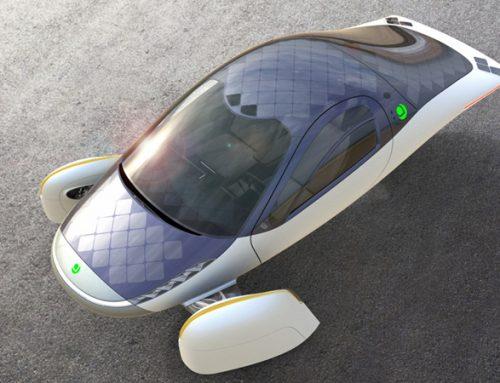 Aptera lança primeiro carro elétrico solar produzido em larga escala.