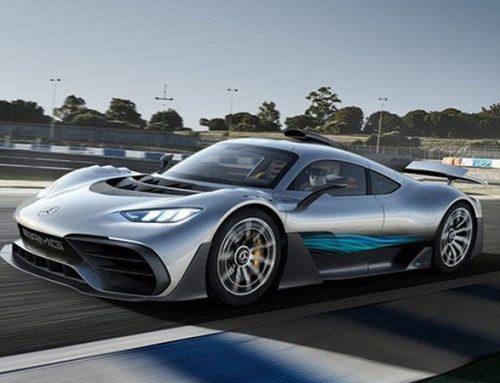Após 3 anos da apresentação, Mercedes-AMG One chega ao mercado.